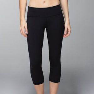 Lululemon Wunder Under Crop in Black